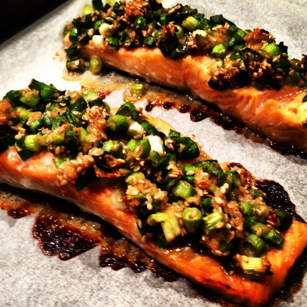 Shallot, Ginger and Sesame Crusted Salmon - The Shrinking Hubby