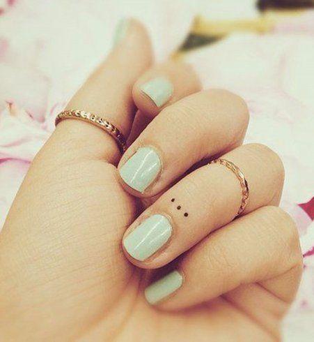 Le Micro Tatouage Le Petit Tattoo Discret Qui Va Vous Faire