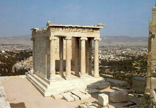 L tempio di atena nike di ordine ionico un tempietto for Colonne esterne di stile dell artigiano