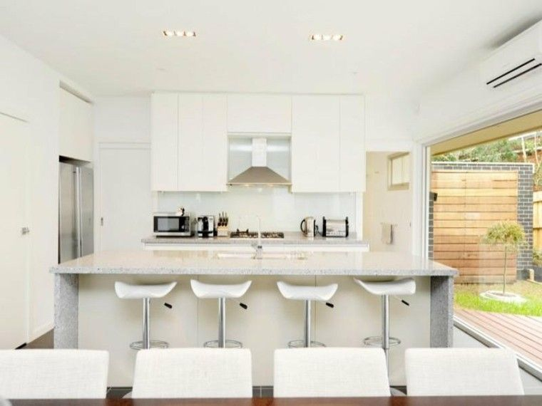 cocina blanca con vistas al jardin | Cocinas | Pinterest | Diseño de ...