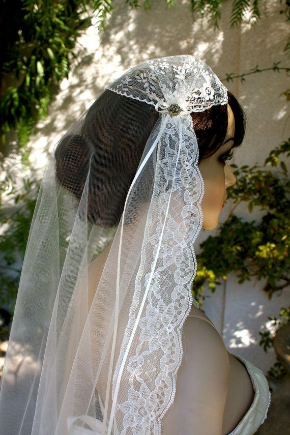 """Vintage Juliet Bridal Cap Veil """"Ashley"""", Juliet Cap Veil, Vintage lace veils by Vegas Veils"""