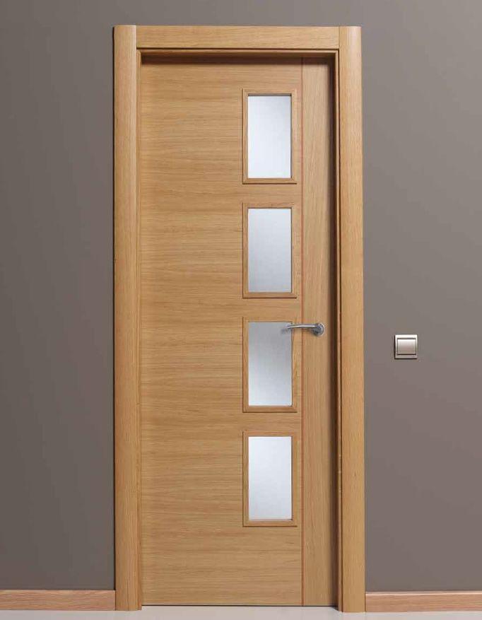 Puerta puertas interiores puertas abatibles puertas for Modelos de puerta de madera para casa