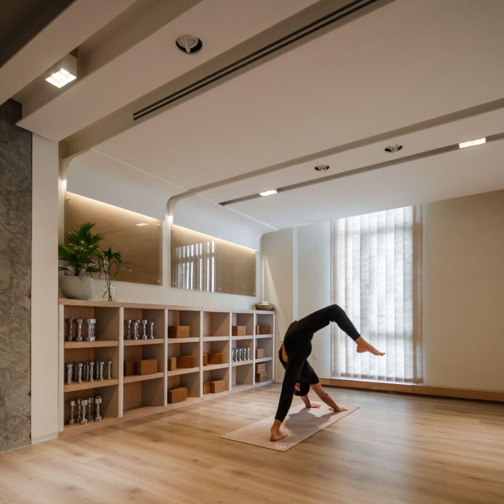 Gallery Of Tru3 Yoga Studio Itginteriors 11 Yoga Studio Design Yoga Studio Home Yoga Room Design