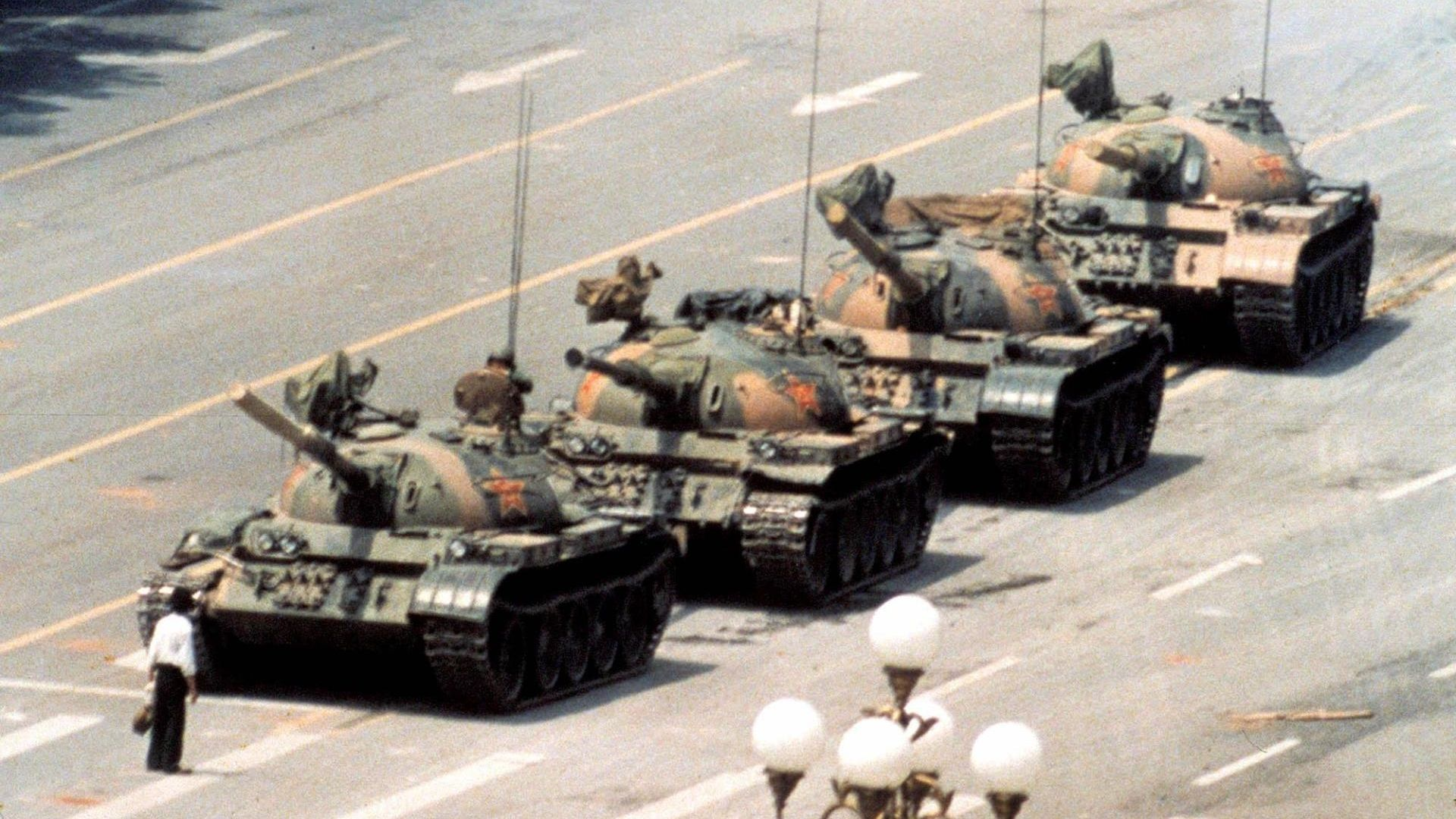 Tiananmen Square 1989 Tank Man Powerful Pictures Famous Photos