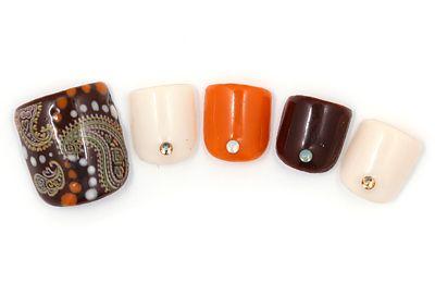 Paisley fall toe nail art