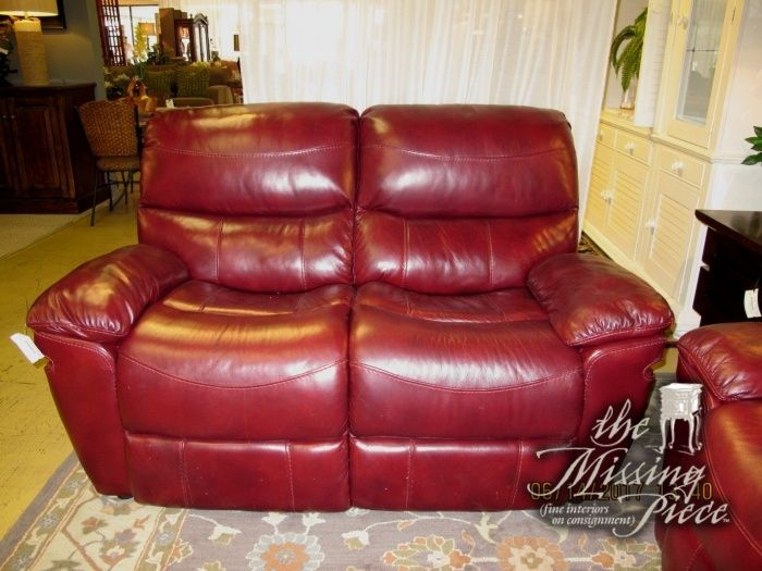 A Color That Speaks For Itself Loveseat By Rooms To Go In Garnet Red