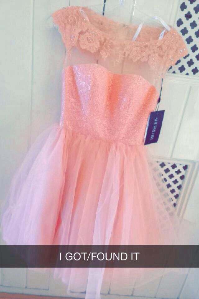 Don\'t mind the caption on the pic cx but the dress | Clothes ...