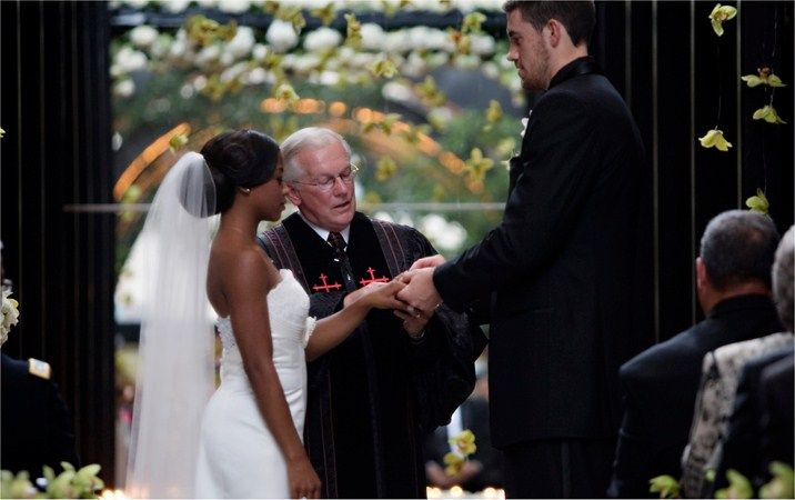 NBA player Nick Collison and his wife Robbie Harriford ...