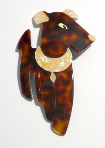 LEA STEIN / Terrier Pin