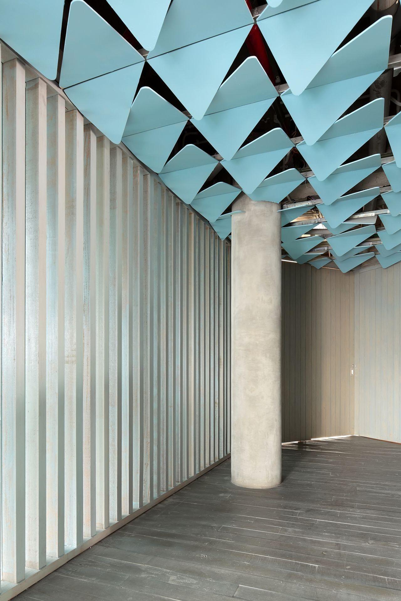 Gallery of IZE HOTEL / Studio TonTon - 26