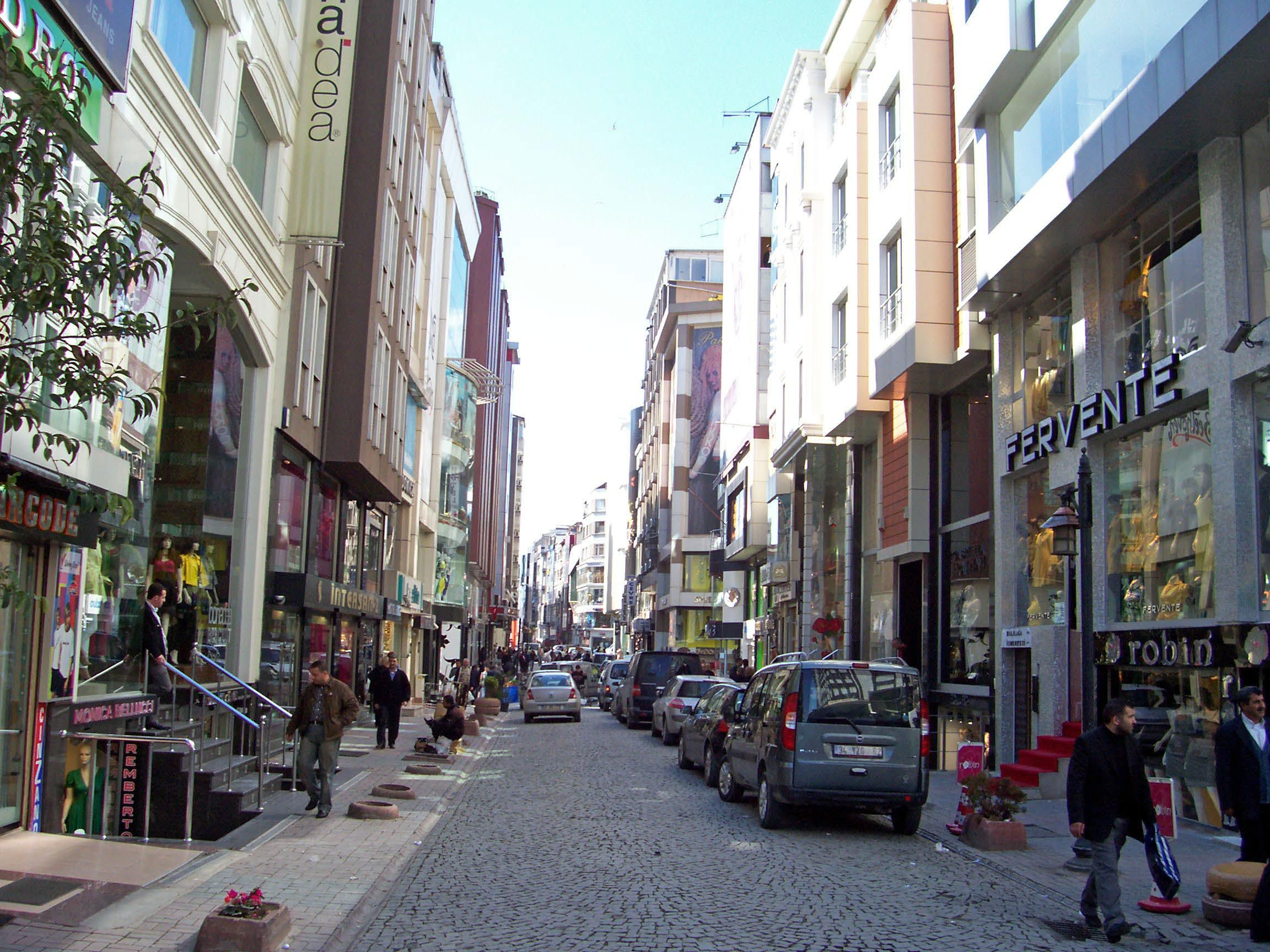 Laleli a russian district in istanbul known by its for Hotels in istanbul laleli area