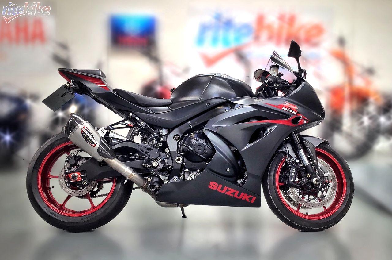 £9,490 ⏲ 1,820 miles ☎ 01274 670787 motorbike
