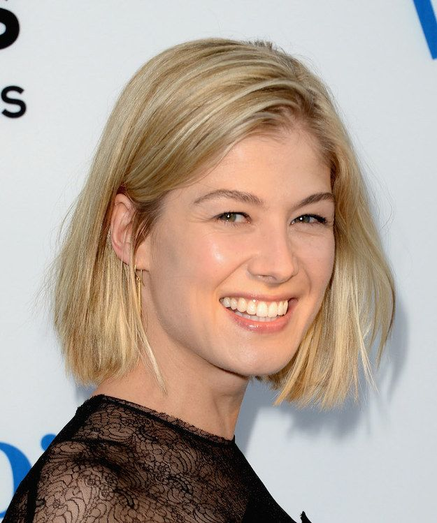 We must continue our journey into the world of Rosamundland. It is a free-thinking society in which hair must not always be straight or tightly pulled back. | 21 Times Rosamund Pike Proved That Short Hair Is A Work Of Art