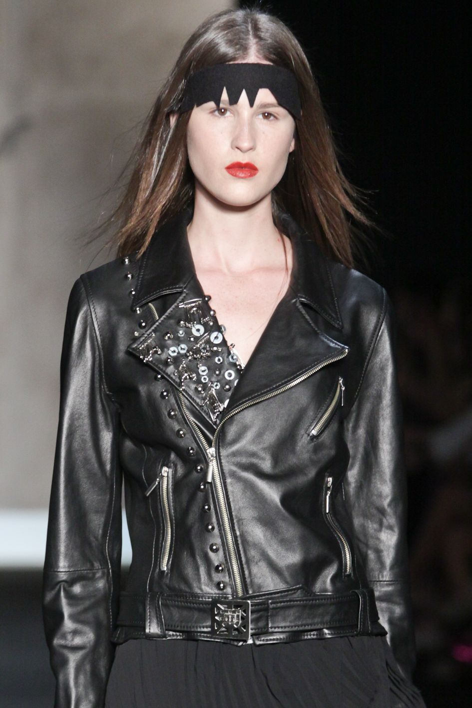 This leather jacket from Ana Salazar Fashion Show on SPFW