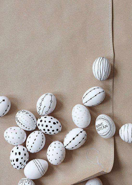 ostertische in vier stilen: zweigkönige | muster, eier und sharpies, Hause ideen