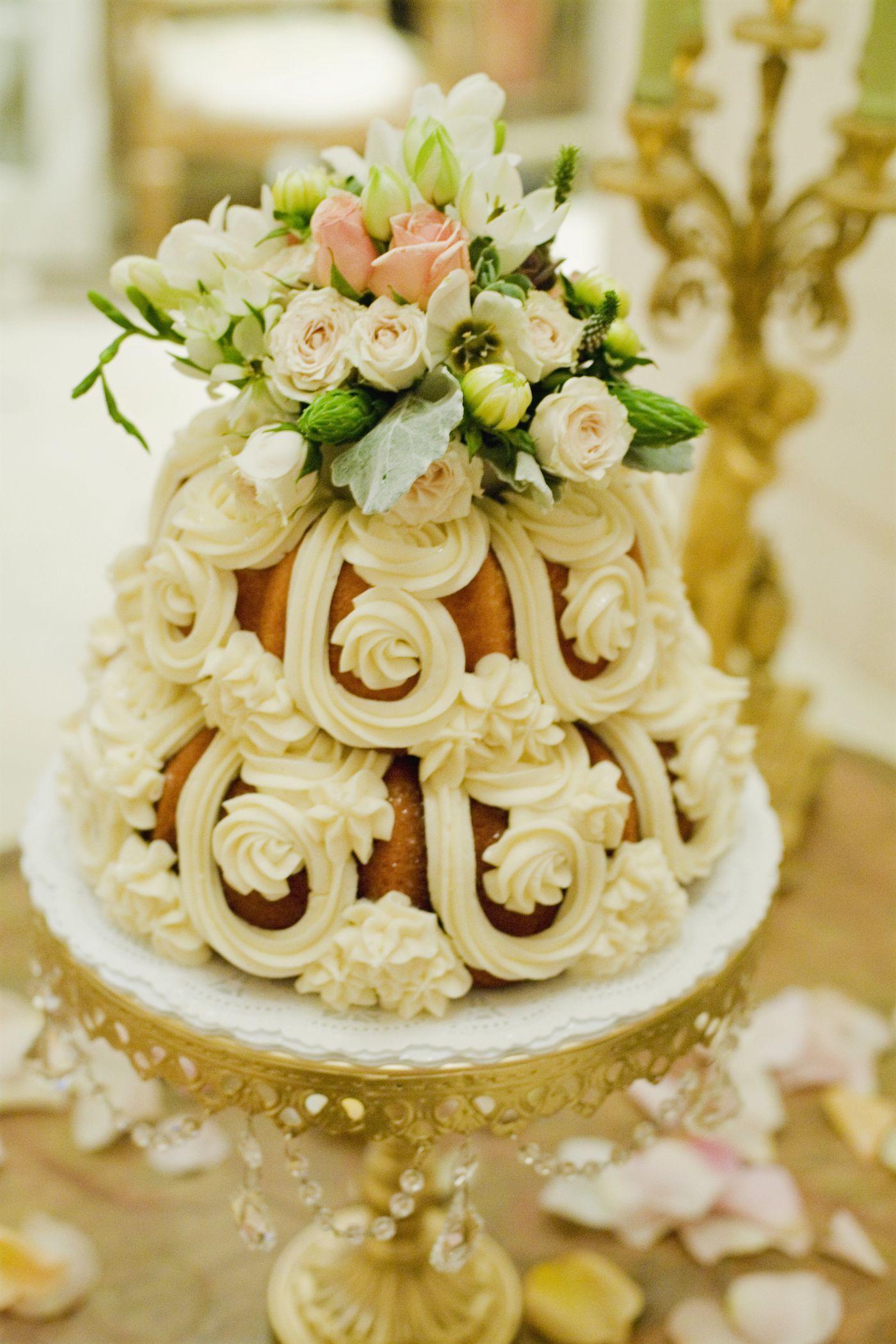 Wedding Bundt cake | Wedding Ideas in 2018 | Pinterest | Cake ...