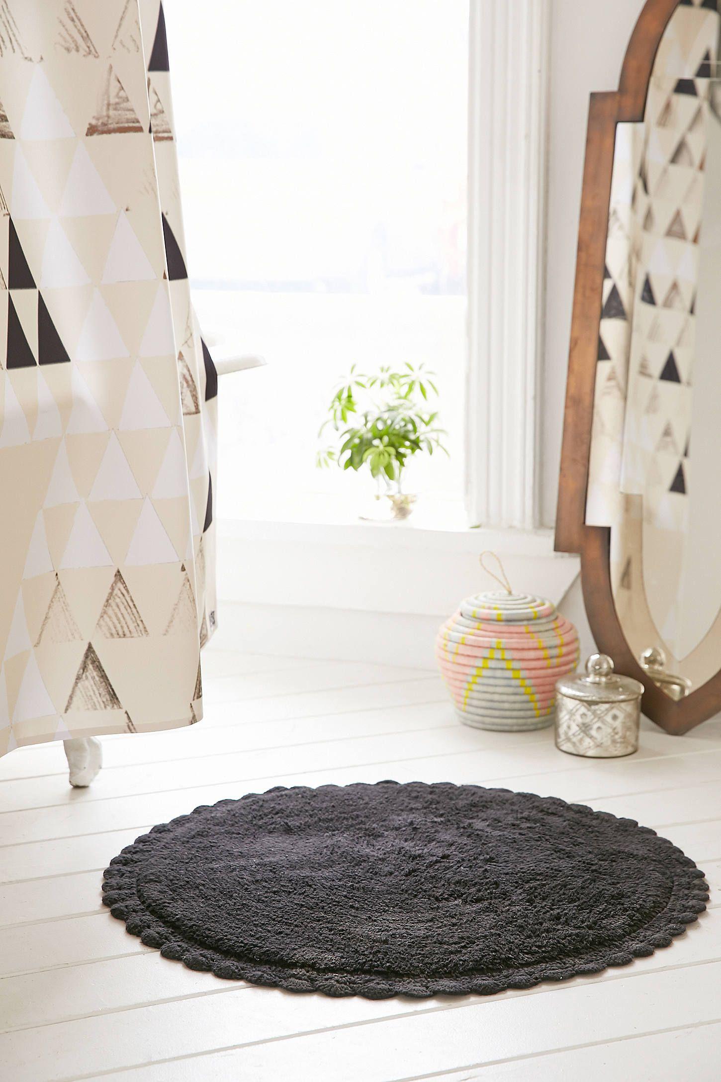 Crochet Trim Bath Mat | Bath mat, Bath and Splish splash