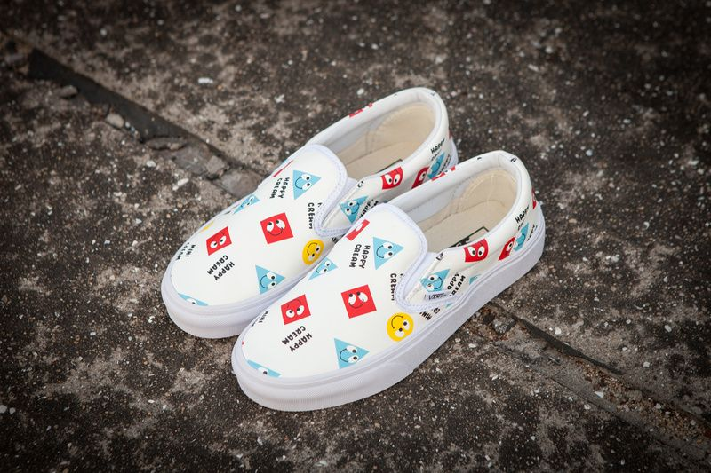 11361b12fb3a0a Vans classic white shoes leather geometric triangular smiley low FS057  35-4414  Vans