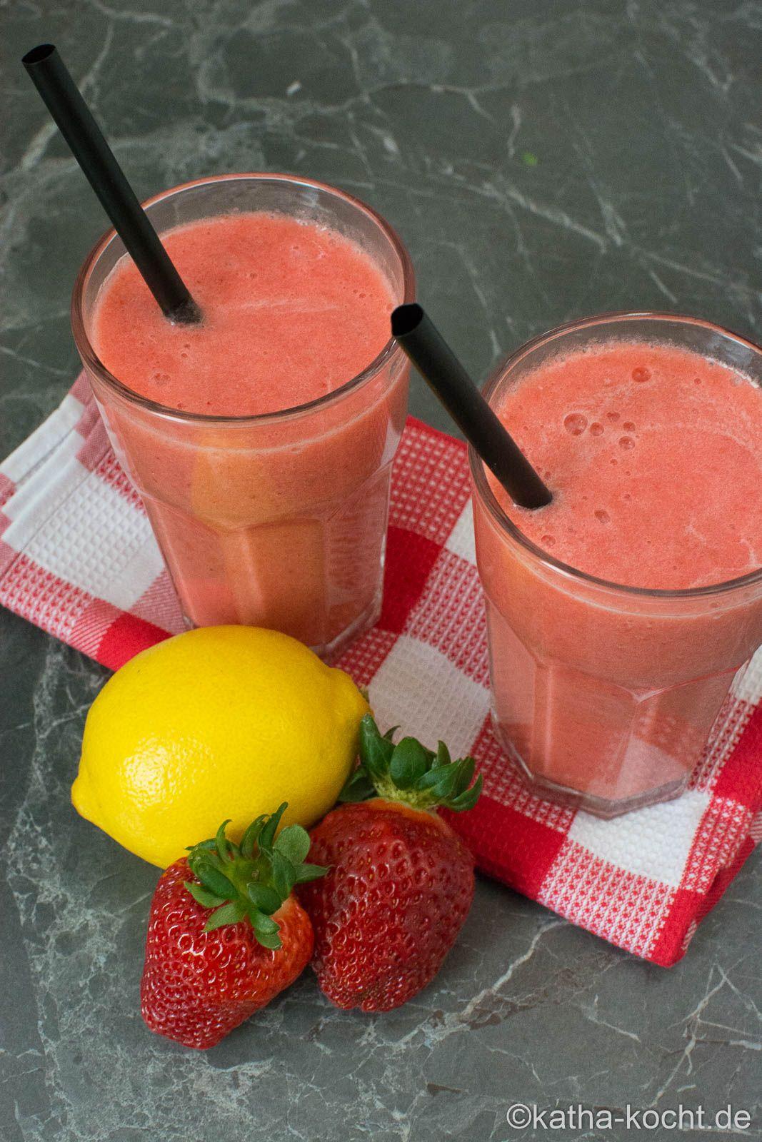 Erdbeer-Banane Smoothie mit extra Vitamin C - Katha-kocht!