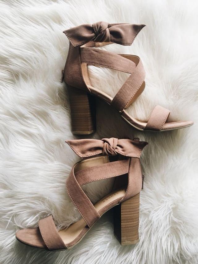 LC Lauren Conrad Bow Womens High Heel Sandals | Heels