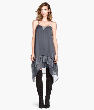 Chiffon dress with lace at top and narrow shoulder straps. Art.No. 50-3253   H&M US