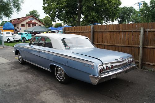 62 Chevrolet Impala SS, funny the trunk is a bit wonky like mine.  Wonder if the trunk hinge broke on this one too?