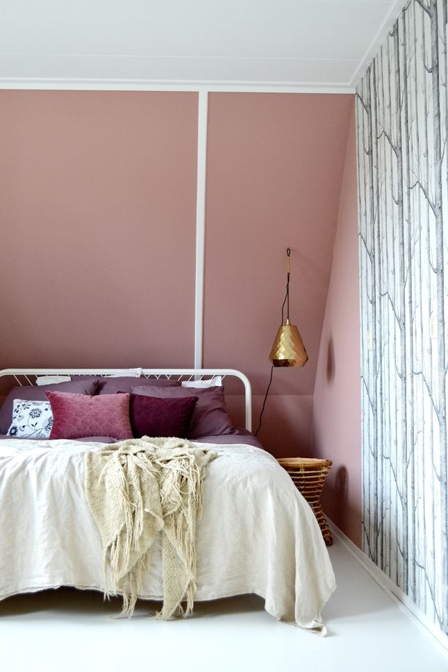 Dark blush in the bedroom, Rosewood by Painting the Past. Linen, velvet, brass, rotan and woods wallpaper by Cole&Son.
