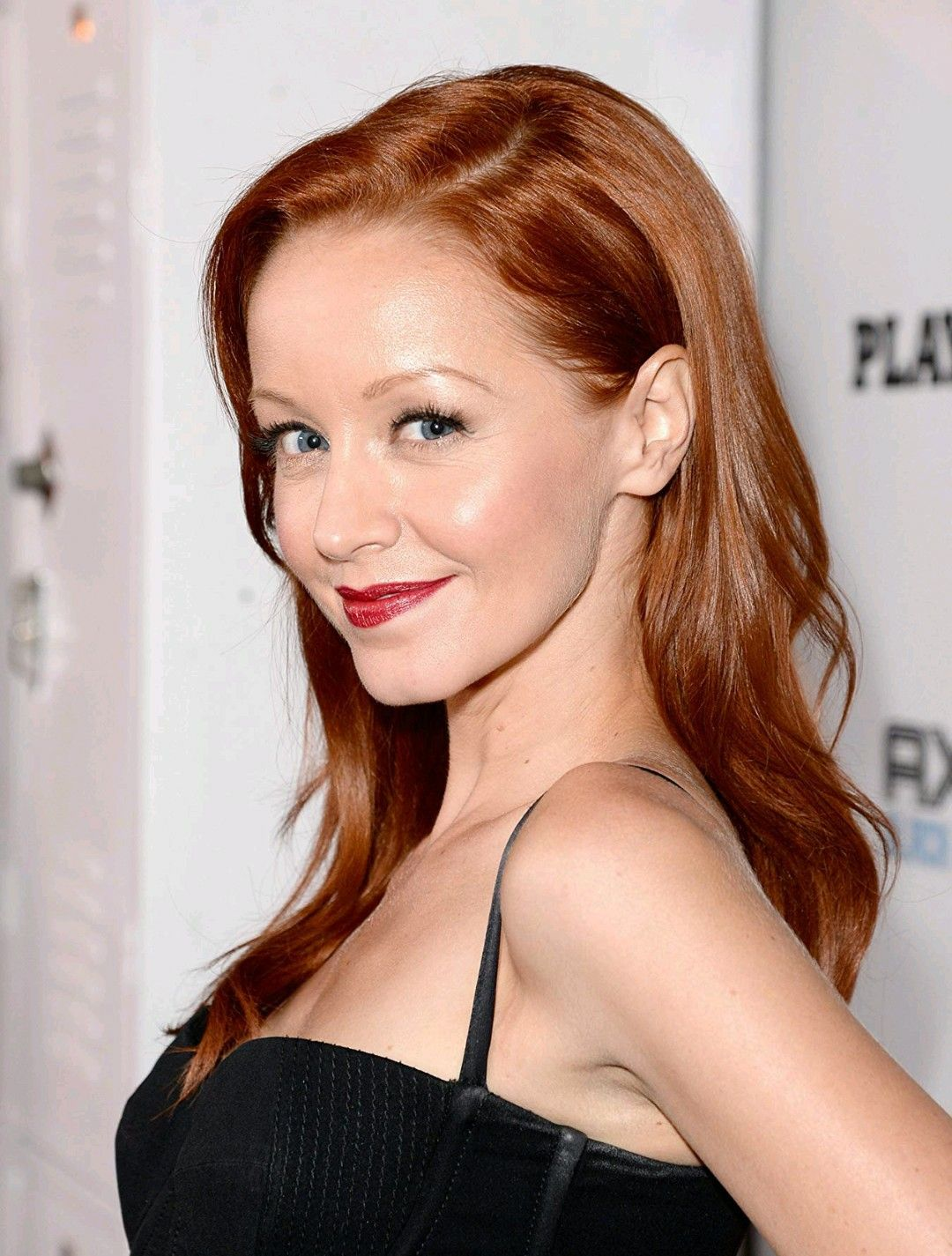 Pin By Cristian Garavito On Lindy Booth In 2020 Lindy Booth Redhead Beauty Redheads