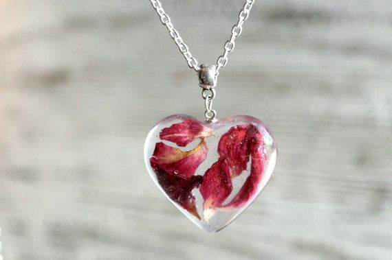 Eco Resin Necklace Romantic Heart Pendant Necklace With A Real Rose Petals Heart Gift Eco Friendly Botanica Flower Resin Jewelry Resin Jewelry Resin Necklace