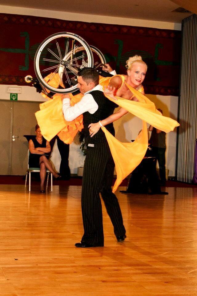Wheelchair Dance Lift See It Believe It Do It Watch Thousands Of Sci Videos At Spinalpedia Com World Dance Dancing In The Rain Shall We Dance