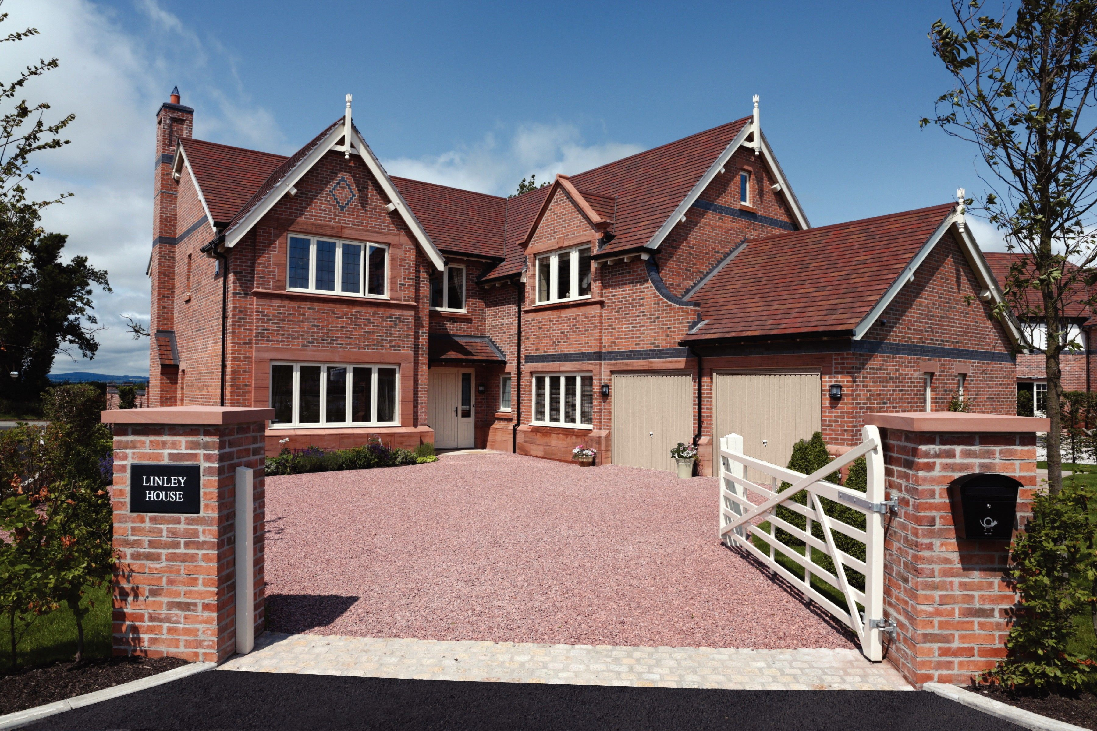 Forticrete s gemini roof tile at redrow homes nw for Gemini homes