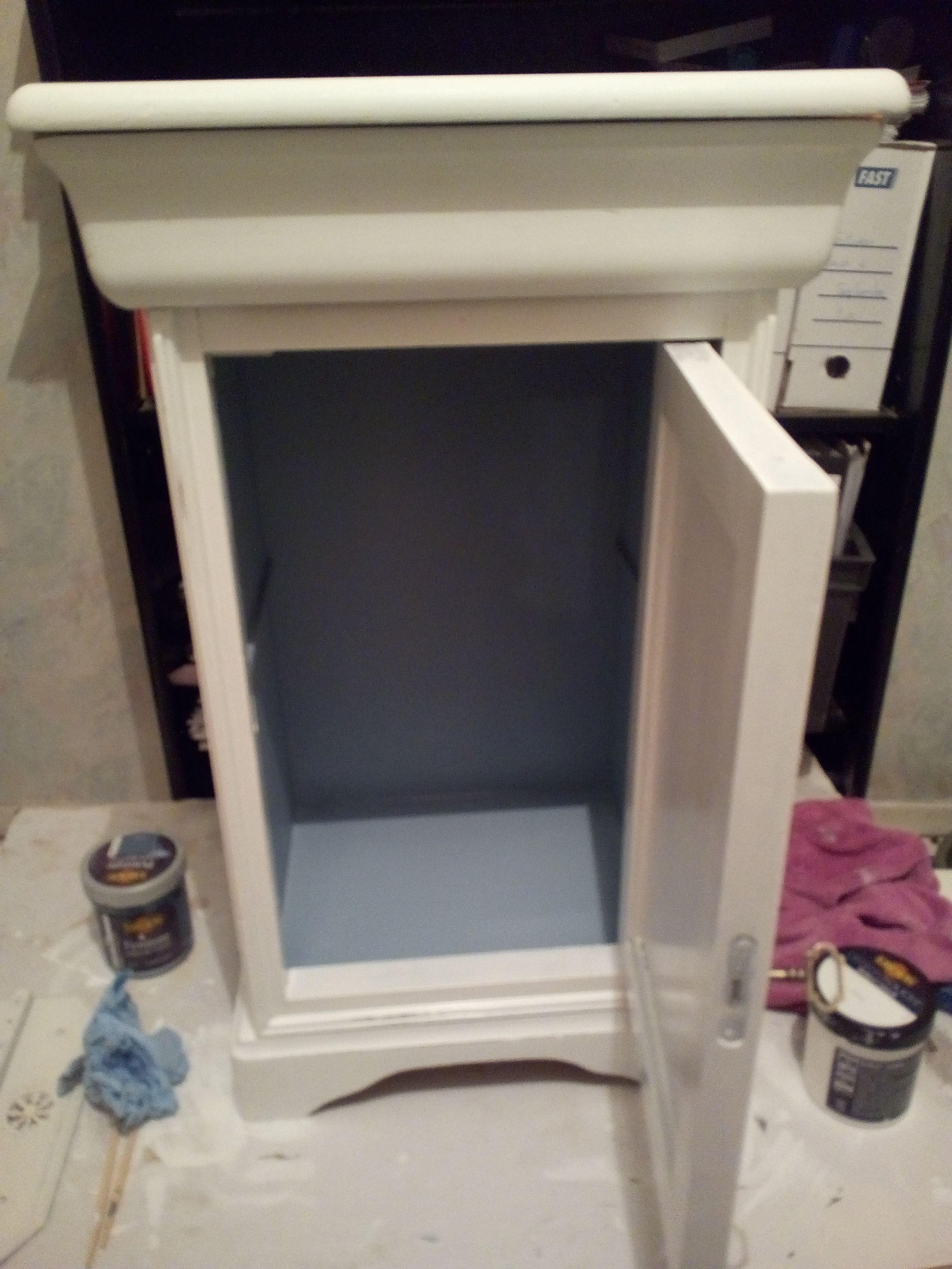Petit Meuble En Merisier Peint En Blanc, Après, Un Léger Ponçage, Une Sous