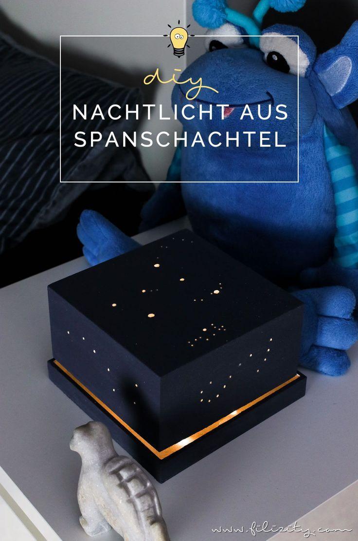 Enthält Werbung // DIY Nachtlicht mit Sternenhimmel - Lampe selber bauen aus Spanschachtel | Filizity.com - DIY Blog aus dem Rheinland