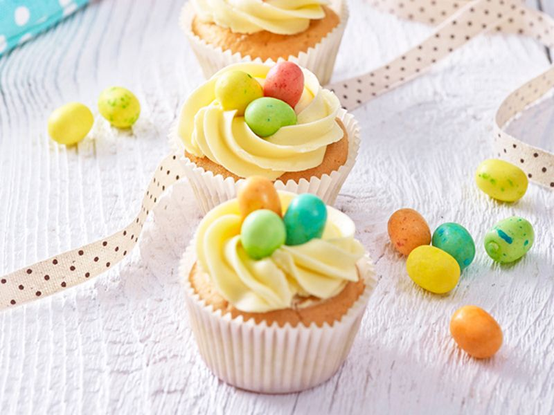 Krémové cupcakes http://www.woman.sk/kremove-velkonocne-cupcakes-hniezda/