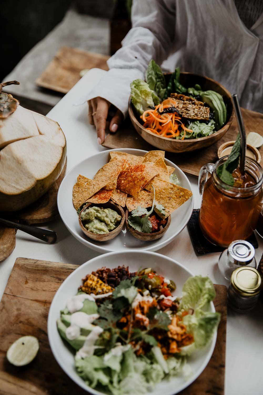 Food Guide 20 Favorite Cafés in Bali   Lebensmittel essen, Vegane ...