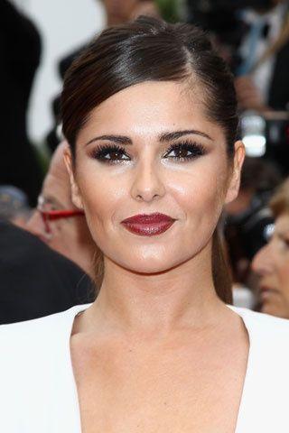 Cheryl Cole. arrrrrrrrgggggg!!!!!Demasiado de todo, ojos y labios demasiado oscuros