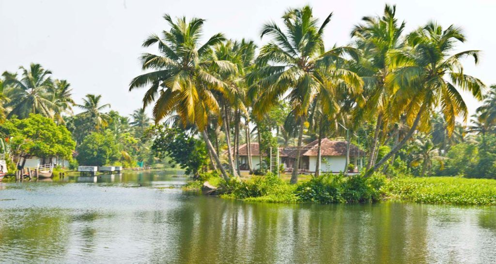 Kumarakom or Alleppey and Backwaters of Kerala - My Simple Sojourn