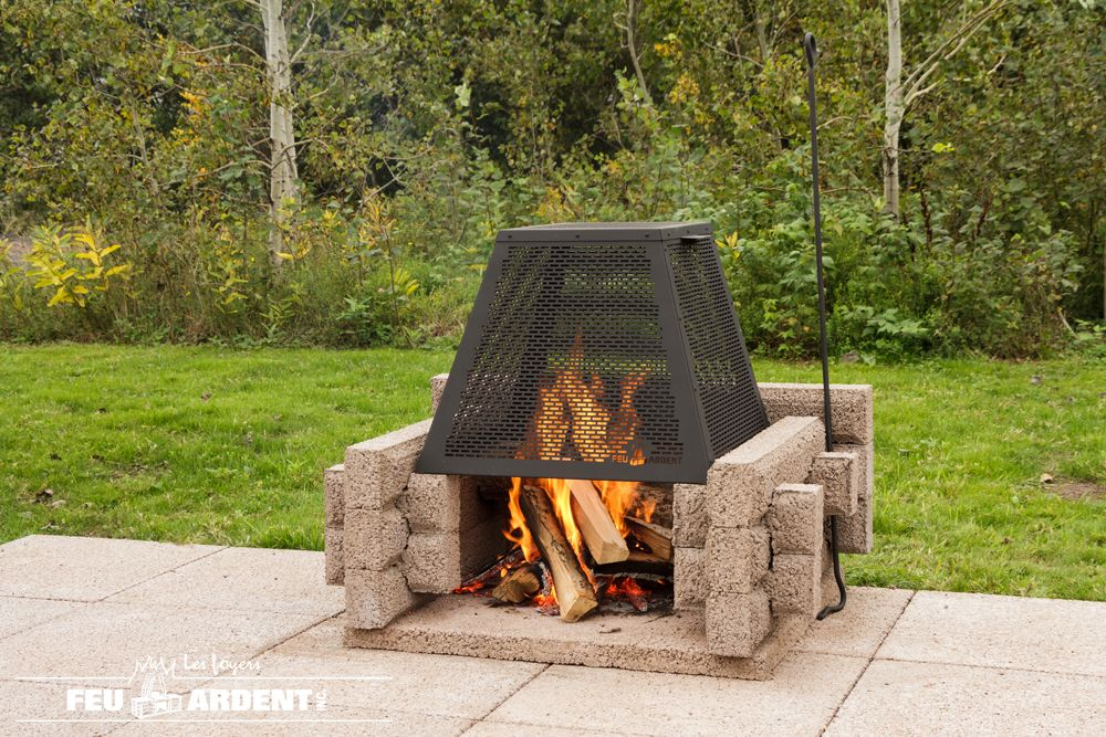 Outdoor Fire Pit The Picnic With Its Screen In 2020 Outdoor