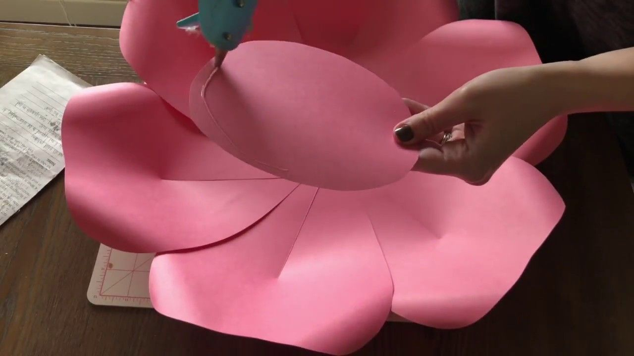 Arabella Paper Flower Tutorial Youtube Flowers Giant Centers