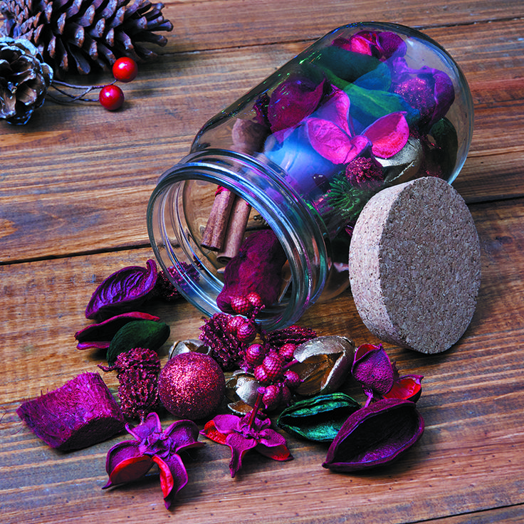 Bring the comforting smell of Christmas into your home with this potpourri in a gorgeous red, available at The Range #christmas #homedecor #potpourri