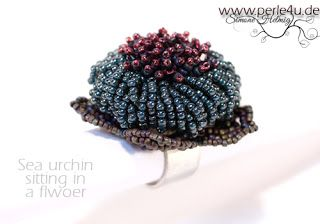 www.PERLE4U.de - Perlen * Anleitungen * Schmuck: Sea urchin sitting in a flower