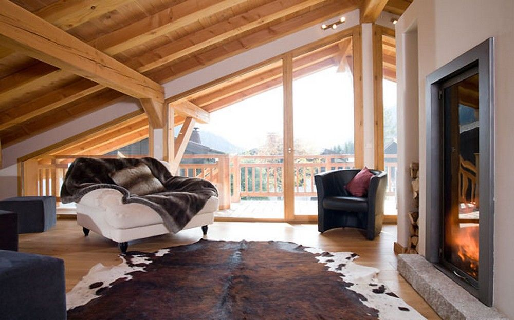 Chalet Maya Was Built In 2006 A Traditional Alpine Style With Urban Chic Interior Design