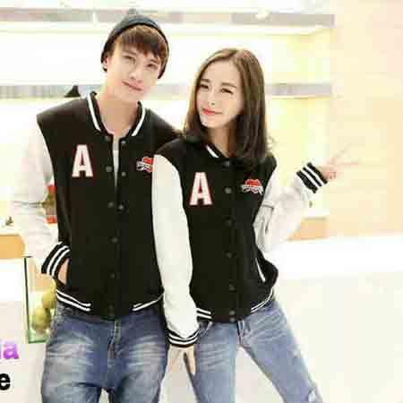 A COUPLE  a couple jacket couple model korea bahan fleece, ukuran allsize fit to L (co) M (ce)  @125.000 ( blm ongkir )  Minat hub ; 089512795328