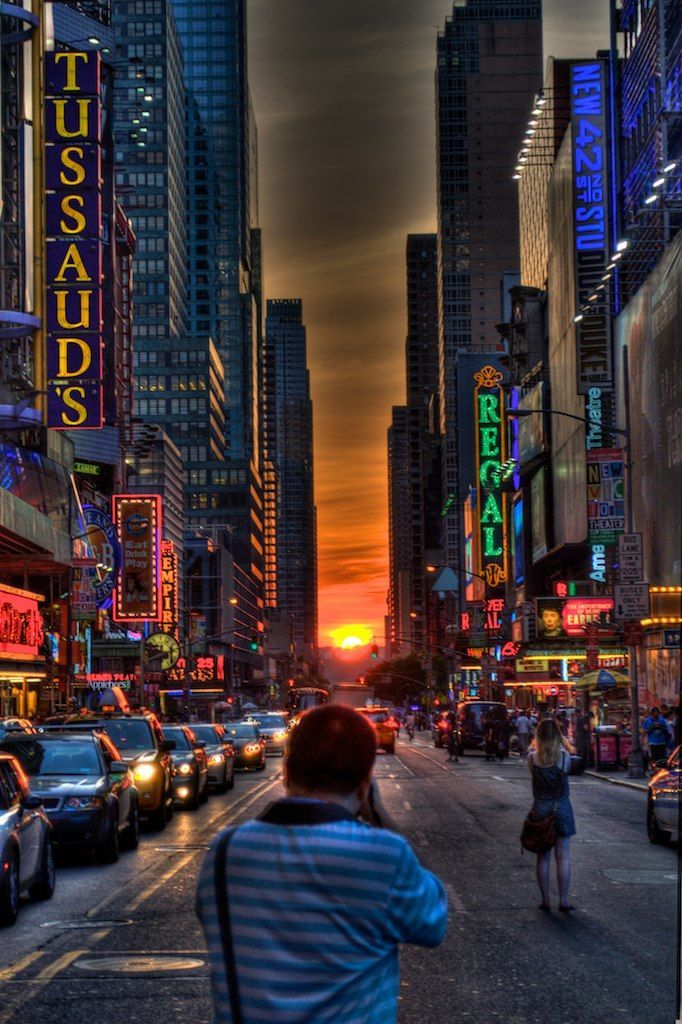 Manhattanhenge With Images New York City Theater District