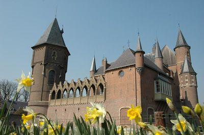 Lente richting Pasen op kasteel Heeswijk