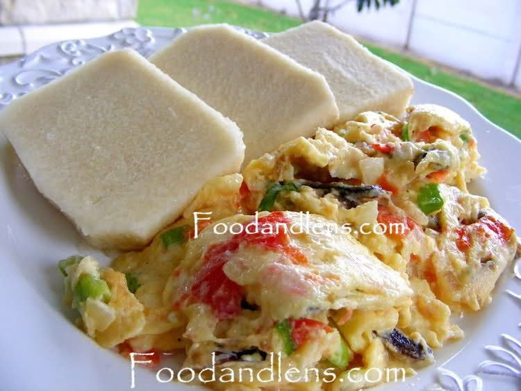 Boiled Yam And Eggs With Vegetables And Tuna Shrimp Nigerian Meal Nigerian Food Food African Food