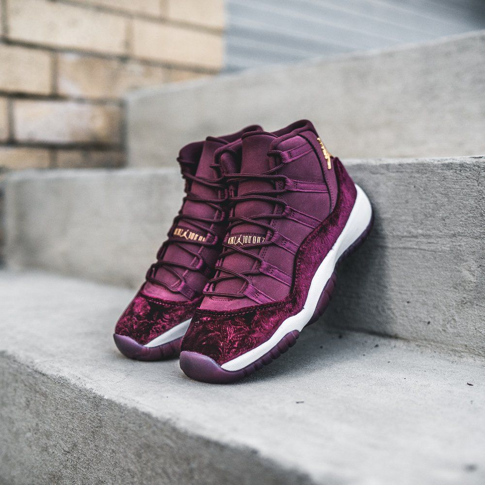 5806c14c74d Air Jordan 11 Retro (Girls) « Red Velvet » Credit   Kicks USA  Nike  Inside   Sneakers
