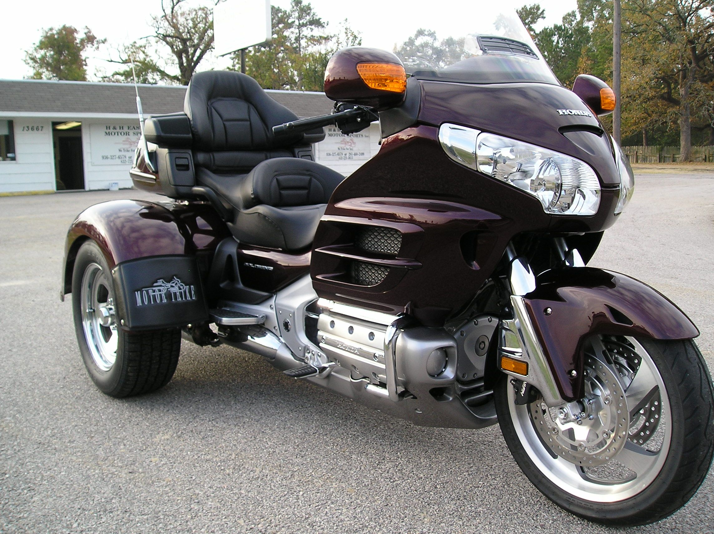 manufacturers com motorcycle honda trike gold wing rolls news lehman out