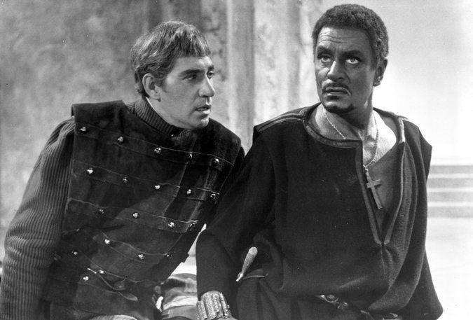 "Frank Finlay (1926-2016) With Laurence Olivier in ""Othello"" Finaly played Iago the original Grima Wormtongue"
