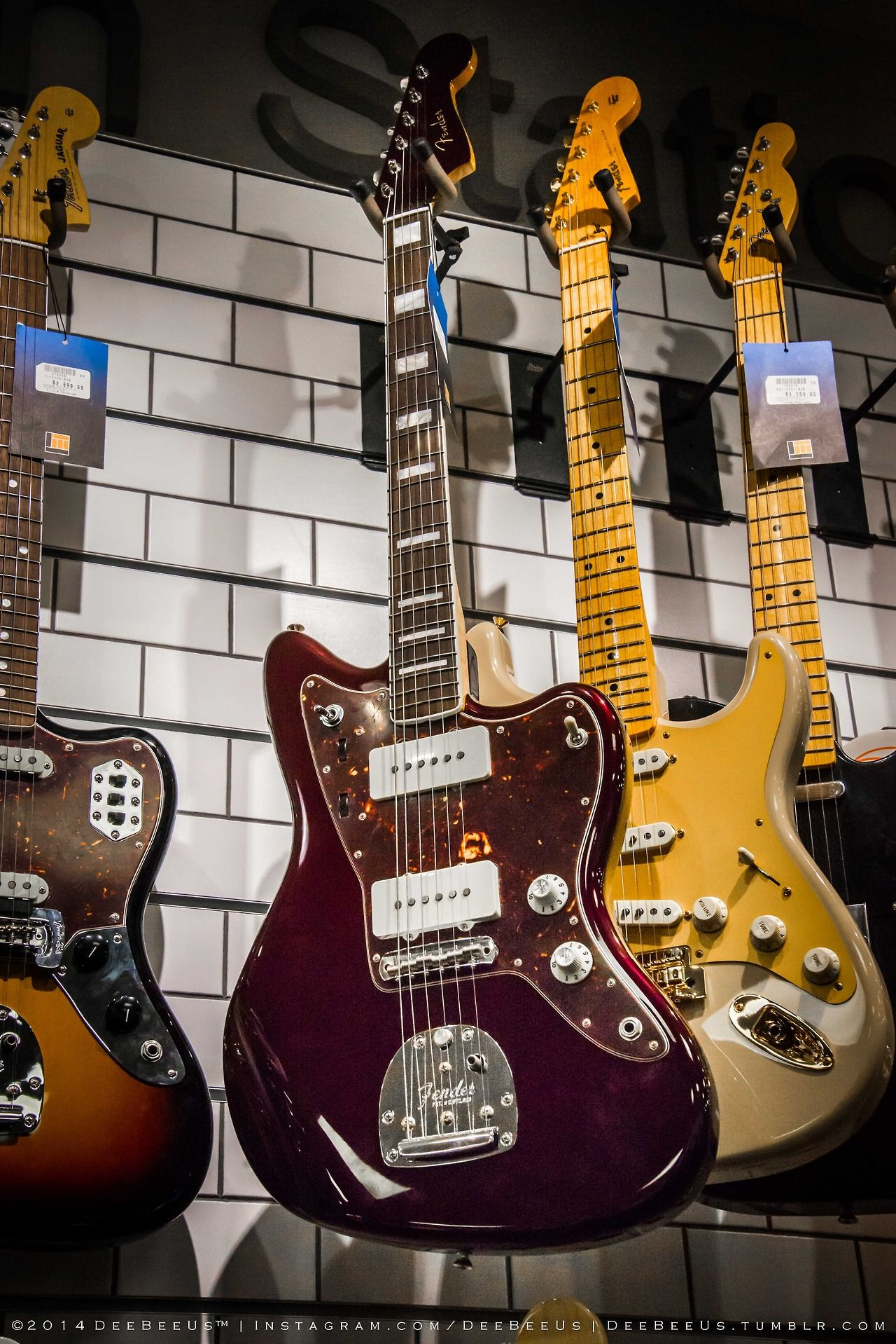 Deebeeus Guitar Shopping At Long And Mcquade Toronto Classic Guitar Vintage Guitars Guitar Design